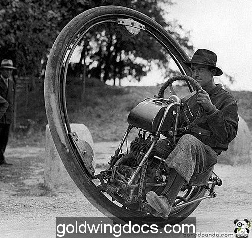 One Wheel Motorcycle from 1931 (93 mph max speed)