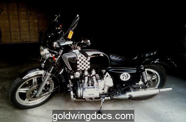 Naked gold wing