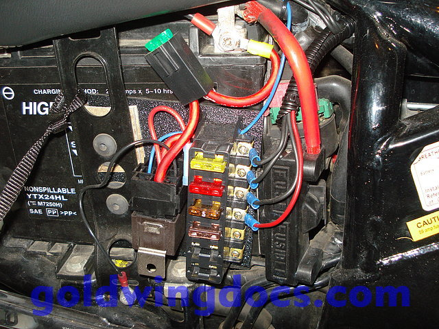 gl1800 accessory fuse box   25 wiring diagram images
