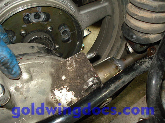 GL1500 Replace Universal Joint 20 how to replace your universal joint (and driveshaft) \u2022 gl1500 diy  at honlapkeszites.co
