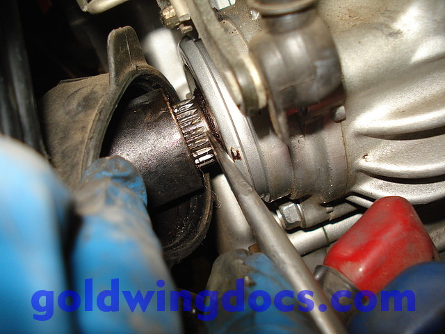 GL1500 Replace Universal Joint 22 how to replace your universal joint (and driveshaft) \u2022 gl1500 diy  at honlapkeszites.co