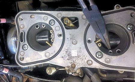 GL1500 Carburetors