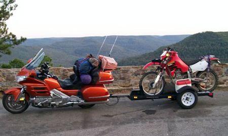 Goldwing towing dirt bike
